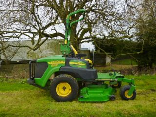 SOLD ! JOHN DEERE 997 ZERO TURN MOWER 2006