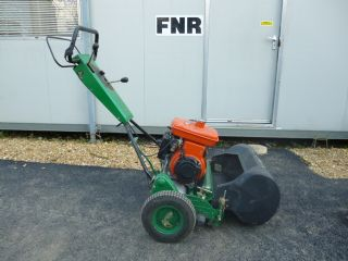 SOLD!!! JOHN DEERE GREENS BOWLING GREEN MOWER