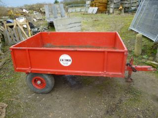 SOLD!!! D W TOMLIN TIPPER TRAILER COMPACT