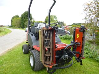 SOLD!!! TORO HAYTER CT2140 TRIPLE GANG MOWER
