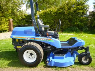 SOLD!!! ISEKI SZ330 ZERO TURN AS NEW 14 HRS MOWER
