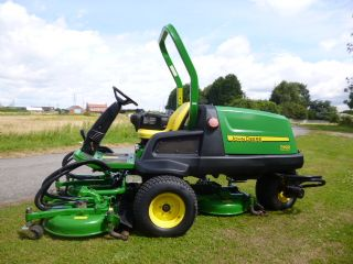 SOLD!!! JOHN DEERE 7400 POD MOWER 1090 HOURS!