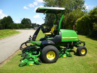 SOLD!!! JOHN DEERE 8800 FAIRWAY 5 POD MOWER
