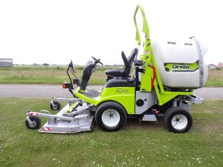 SOLD ! GRILLO FD2200 4WD OUTFRONT MOWER