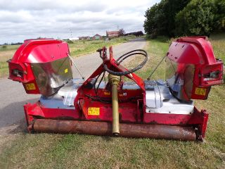 TRIMAX STEALTH S2 340 TRACTOR MOUNTED FINISHING MO