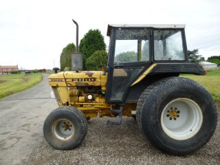 SOLD!!! FORD 3910 TRACTOR ON FLOTATION TYERS