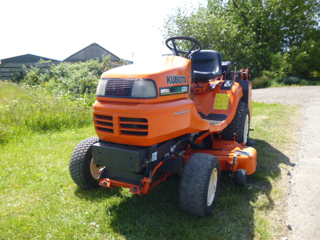 SOLD!!! KUBOTA G21 LOW DUMP COLLECTOR MOWER