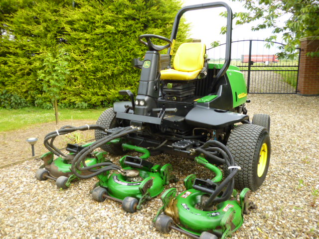 SOLD!!!JOHN DEERE 3245C 5 GANG ROTARY for sale, FNR Machinery