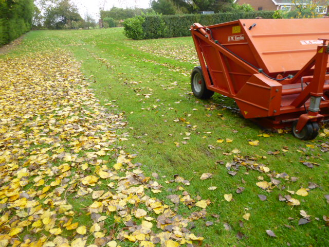 SOLD!!! TOMLIN RC180 LEAF COLLECTOR GROUNDCARE ATT