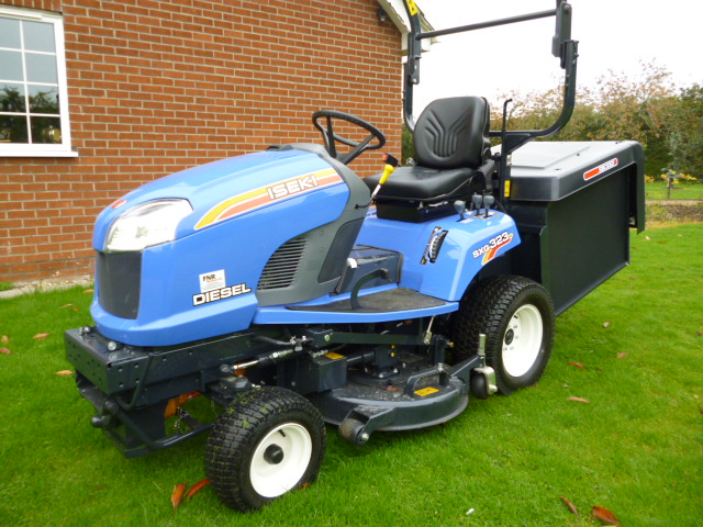 SOLD!!! ISEKI SXG 323 AS NEW ROTARY MOWER