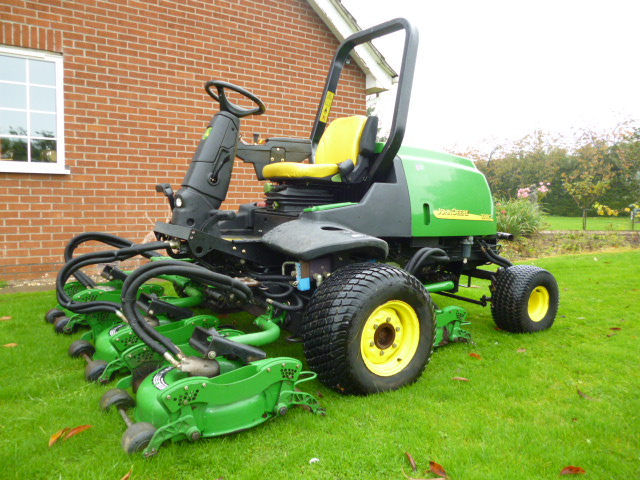 SOLD!!! JOHN DEERE 3245C 5 ROTARY FAIRWAY MOWER for sale