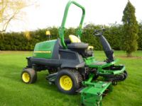 SOLD!!! JOHN DEERE 8400 TRILPE GANG MOWER