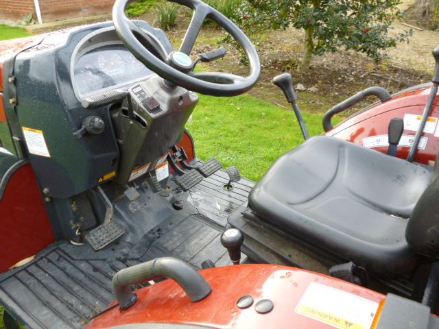 SOLD!!! TYM T290 COMPACT TRACTOR 4X4 500 HOURS!