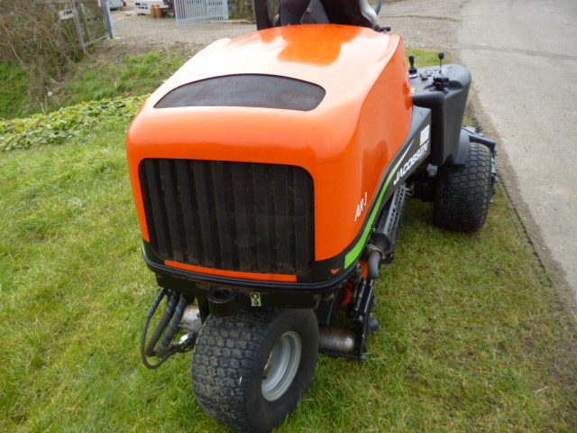 SOLD!!! JACOBSEN AR3 POD TRIPLE DIESEL MOWER