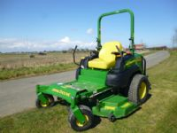 sold ! JOHN DEERE 997 ZERO TURN MOWER 2011
