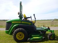 JOHN DEERE 997 ZERO RIDE ON MOWER