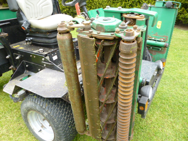 sold ! RANSOMES 2130 HIGHWAY FLOATING HEADS