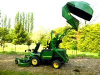 sold ! JOHN DEERE F1445 MOWER COLLECTOR