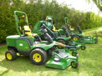 sold ! JOHN DEERE 1545 ROTARY MOWER