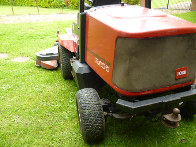 sold ! TORO 3000 D 6FT OUTFRONT ROTARY MOWER