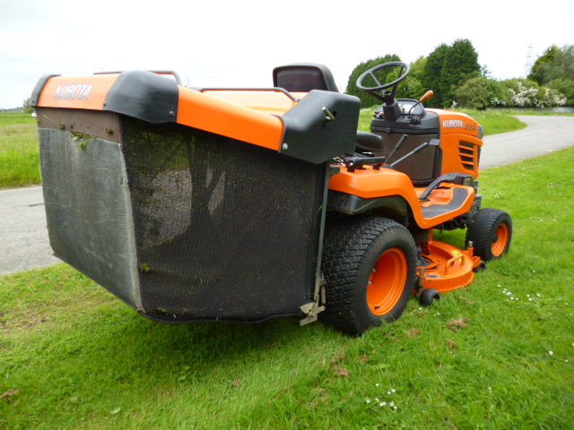 sold KUBOTA G23 RIDE ON MOWER 700 HOURS