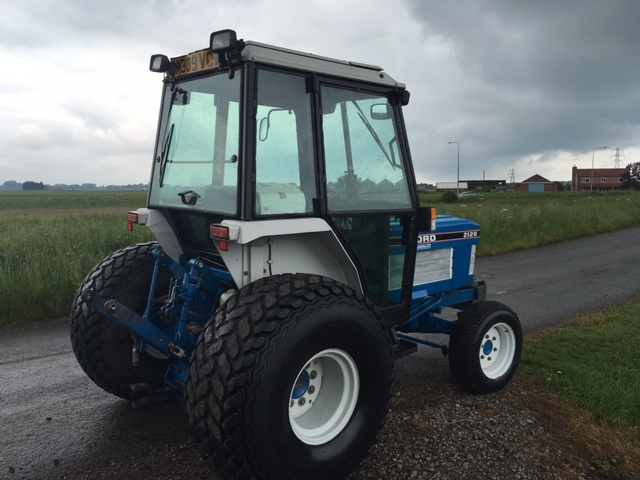 sold ! FORD 2120 COMPACT TRACTOR 4X4