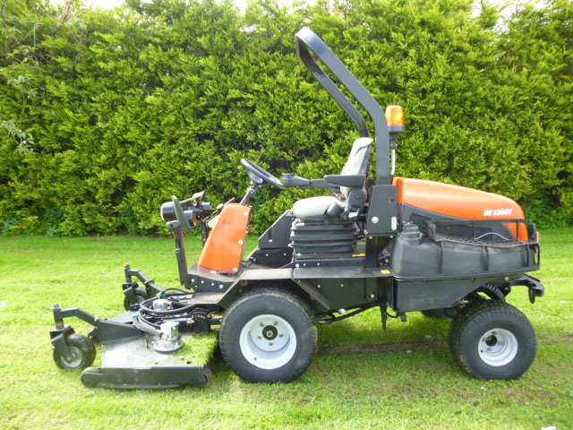 sold ! JACOBSEN HR3300T YEAR 2012 ROTARY MOWER