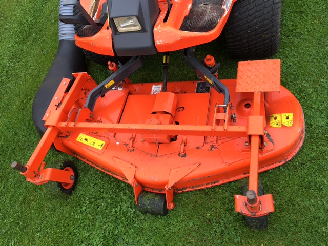 sold ! KUBOTA F2560 MOWER WITH COLLECTOR