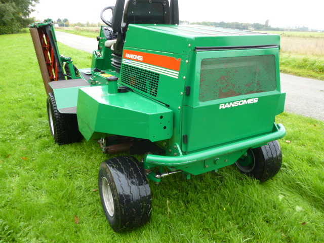 SOLD!!! RANSOMES 2130 RIDE ON MOWER TRIPLE