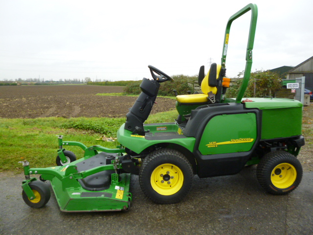 SOLD!!! JOHN DEERE 1435 5FT OUTFRONT MOWER