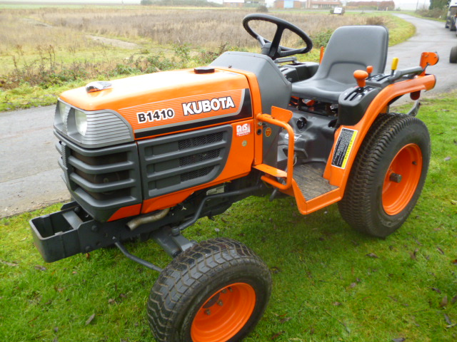 SOLD!!! KUBOTA B1410 4X4 COMPACT TRACTOR, ONLY 76