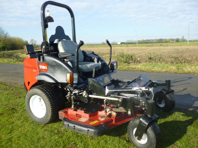 SOLD!!! TORO ZERO TURN 7210 MOWER DIESEL