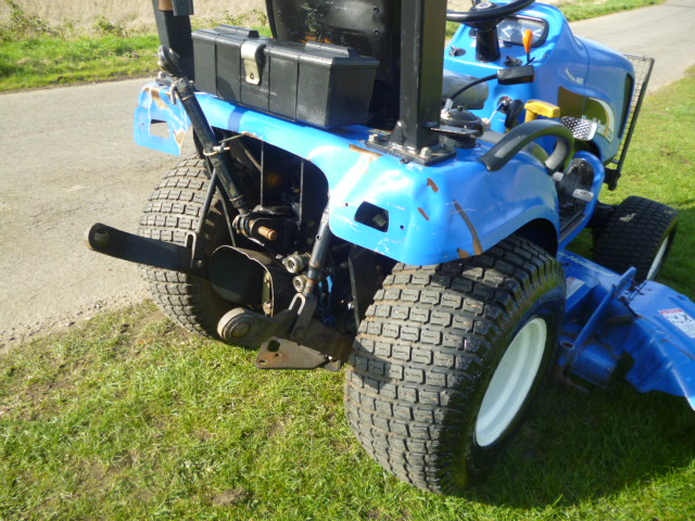 SOLD!!! NEW HOLLAND TC25D TRACTOR SUB WITH LINKAGE