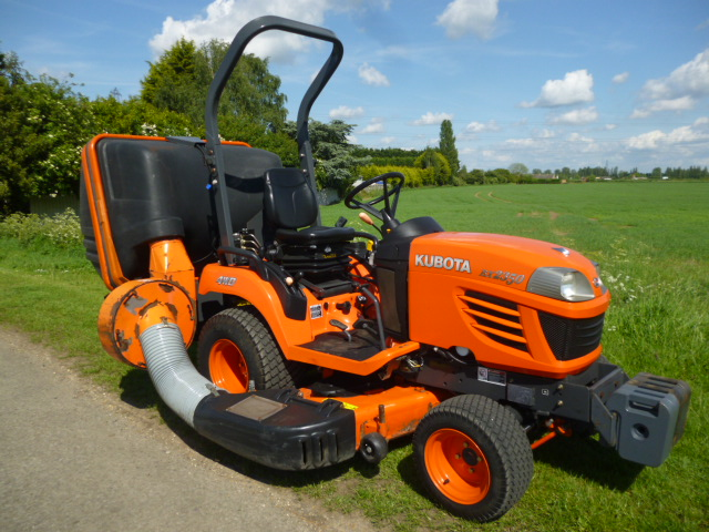 SOLD!!! KUBOTA BX2350 MOWER COLLECTOR