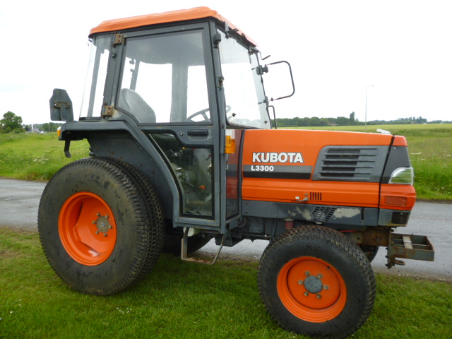 SOLD!!! KUBOTA L3300 TRACTOR WITH CAB 4X4 COMPACT