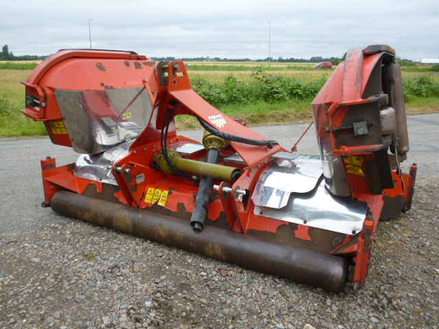 SOLD!!! TRIMAX STEALTH S2 FINISHING MOWER
