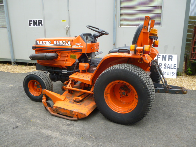 SOLD!!! KUBOTA B1750 COMPACT TRACTOR WITH MID DECK