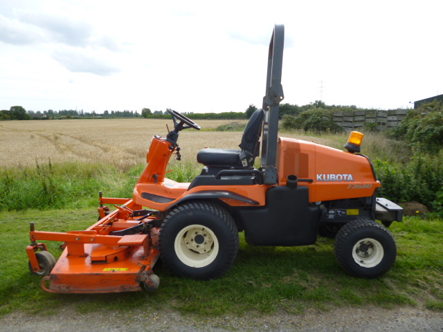 SOLD!!! KUBOTA F3680 OUTFRONT FLAIL MOWER 6FT