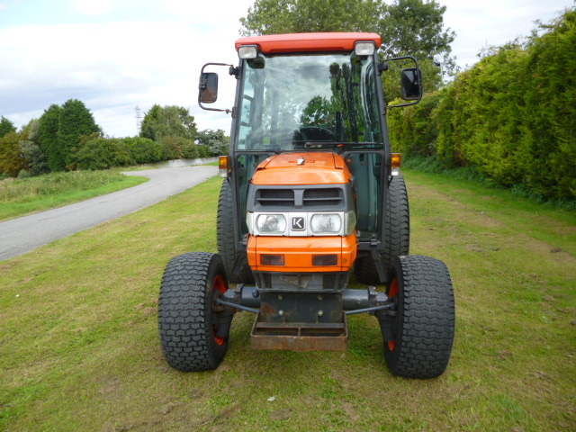 SOLD!!! KUBOTA L4200 COMPACT TRACTOR 4X4