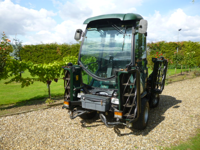 SOLD!!!HAYTER T424 07 WITH CAB 5 GANG MOWER 4X4