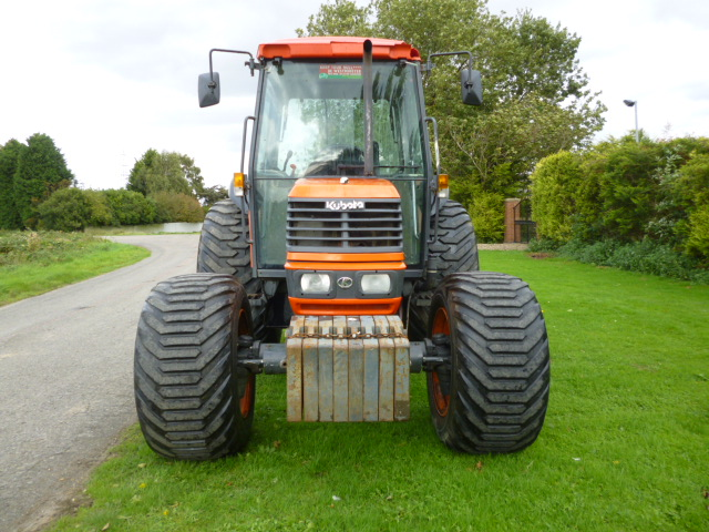 SOLD!!! KUBOTA ME5700 TRACTOR CAB 4X4