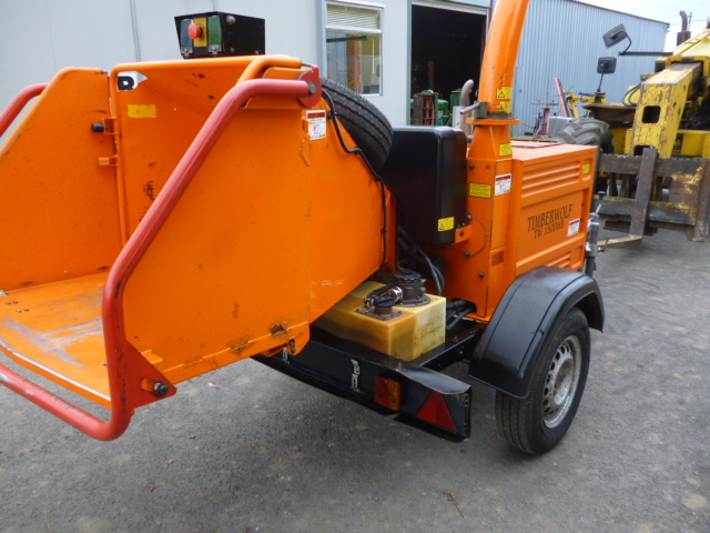 SOLD!!! TIMBERWOLF TW150 DHB WOOD CHIPPER LIGHT TO