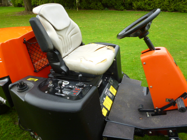SOLD!!! JACOBSEN TR3 TEES MOWER DIESEL KUBOTA ENGI