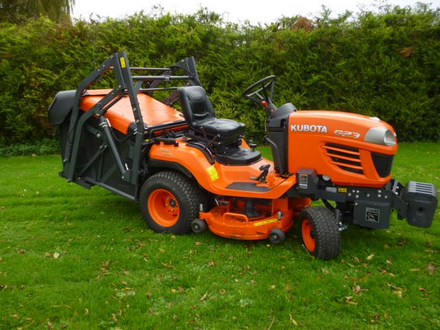 Kubota G23 Lawn Tractor Collect High Tip Hours 887 For