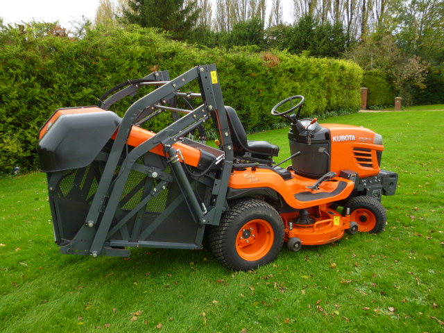KUBOTA G23 LAWN TRACTOR COLLECT HIGH TIP HOURS 887