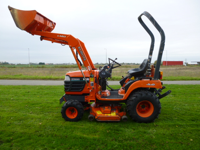 SOLD!!! KUBOTA BX2200 COMPACT TRACTOR