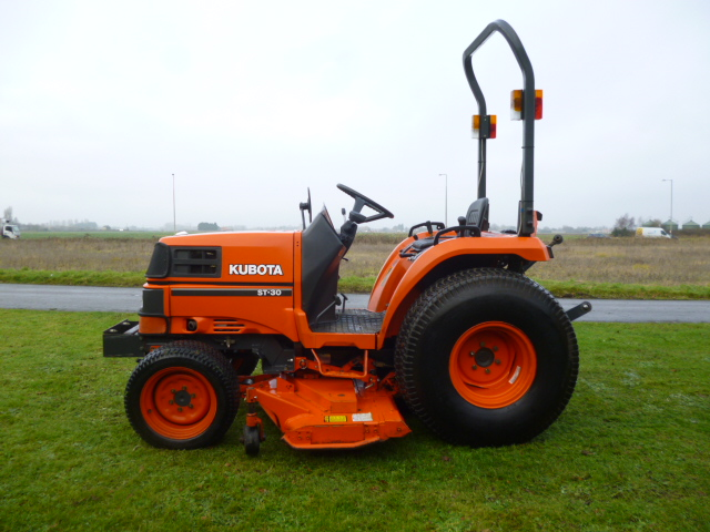 SOLD!!! KUBOTA ST30 COMPACT TRACTOR C/W DECK