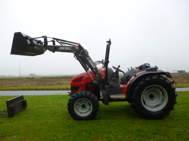 SOLD!!! MASSEY FERGUSON 2415 COMPACT TRACTOR FRONT
