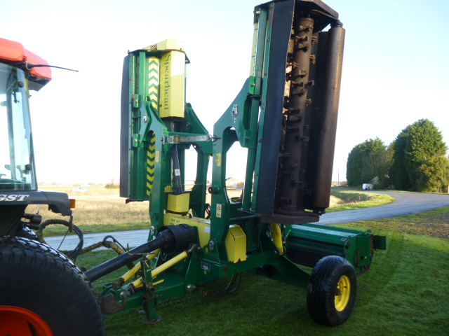SOLD!!! SPEARHEAD FLAIL TRIDENT 4000 MOWER PTO