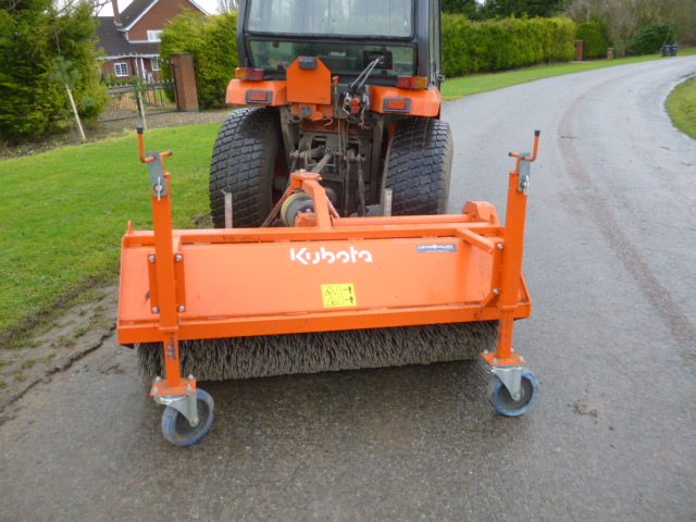 SOLD!!! KUBOTA SW2 POWERED BRUSH SWEEPER ATTACHMEN